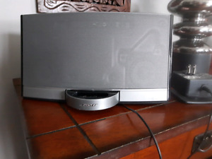 Base Ipod charger stereo