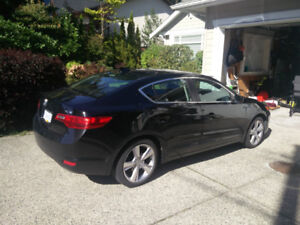 2017 Acura ILX - Loaded with Low Mileage