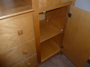 Maple Dresser with mirror - excellent condition Kitchener / Waterloo Kitchener Area image 2