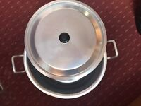 Big sauce pan with sterner siv NEW