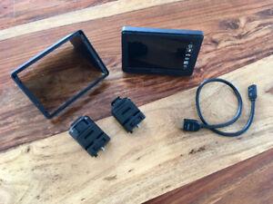 Moniteur portable Sony CLMV55 et accessoires