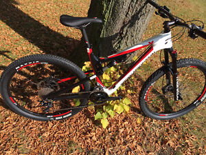 Rocky Mountain Thunderbolt 730msl, Trail bike 27.5, med et Lrg.