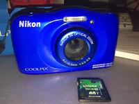 Nikon Coolpix S33 Bleu NEUF avec accessoires !!