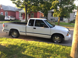 2002 GMC TRUCK FOR SALE