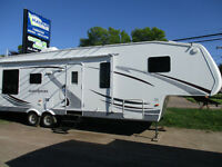 2008 North Shore Fifth Wheel 31 SB with 2 slides