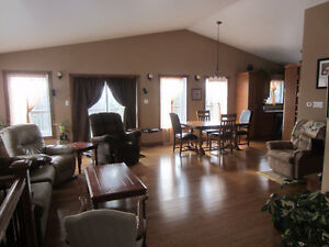 Home perfect for family or retired couple, Manitoulin Island London Ontario image 7