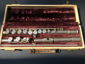 WT Armstrong Flute with Case