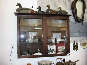 decoy display cabinet