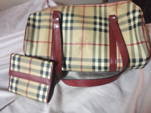 Burberry purse and matching wallet