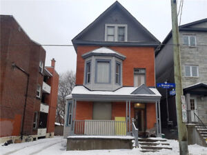 4 Unit Building in Prime Location with TM Commercial Zoning