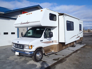 1999 Sunseeker by Forest River 32' Motorhome