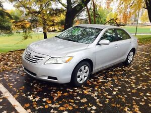 Toyota camry 2007 automatic très propre