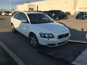 2005 volvo s40 Engine transmission t5 awd Parts, Parting Car out