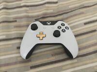Xbox One Lunar White Controller