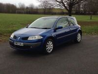 Renault megane 1.9 DCI 2007 with pan roof and black leather not ASTRA, golf, Leon, civic, 307