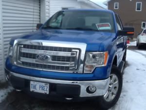 Ford F-150 XLT / XTR 5.0 super low 24,750 km 1 owner