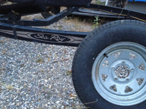 SeaRay Boat Trailer for 18 Foot Boat - Rusty, but Fixable