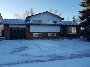 Great home in NW Moose Jaw