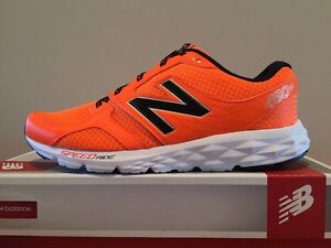 MENS 10.5 NEW BALANCE RUNNING SHOES NEW IN BOX