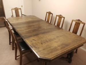 1920's Knechtel Furniture Co. antique walnut dining set.