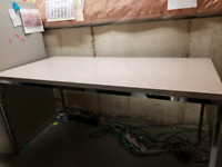 Table/desk with quality laminate top
