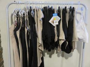 NEUF lot de vêtements taille plus, vente de fermeture 15$