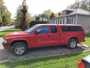 Dodge dakota 2004 2500$