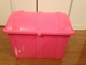 Pink Storage box with dome shape cover West Island Greater Montréal image 1