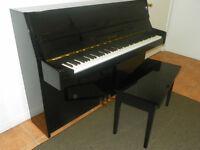 Piano droit de marque Kawai, modèle CX-4