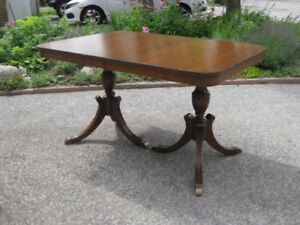 Lovely Antique Vintage Refurbished Duncan Phyfe Table 6 Chairs