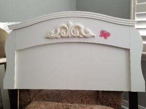 Girls Twin Bedroom Set dresser with mirror MUST GO! $250 obo