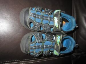 Sandals Size 13 Youth