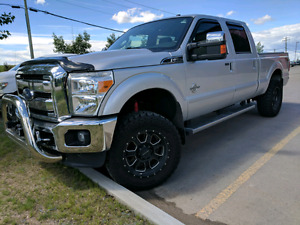 Better then new! 2014 f350 superduty lariat in mint condition!!