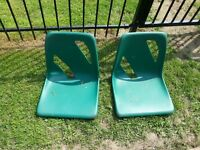 2 PLASTIC SEATS