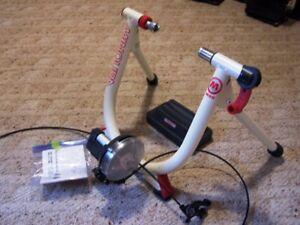 Minoura M80 Indoor Bike Trainer