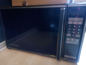 Free microwave!  Moving!  needs to go ASAP