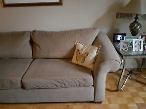 Couch–Very comfortable with a soft luxurious feel Oakville / Halton Region Toronto (GTA) image 2