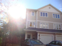 Available Now: Town House (End-unit) Ottawa east