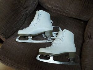 "Ladies Figure Skates ""Glacier 120"""