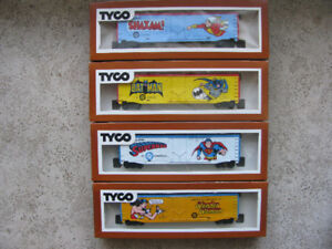 Batman Shazam Superman Wonder Woman HO Scale Tyco Box Cars