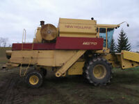 TR70 New Holland Combine