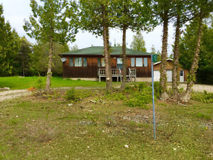 Tobermory Vacation Cottage -The Cedar View