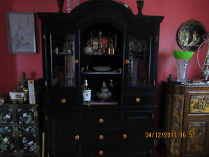 Wooden display china cabinet hutch, excellent like new condition
