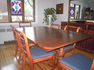 TABLE ET 6 CHAISES  vintage