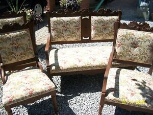 Walnut Victorian Settee with Three Chairs