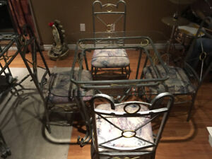 Kitchen Bakers Rack , Table /Chairs /Coffee Table /End Tables
