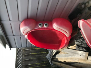 Crab sandbox