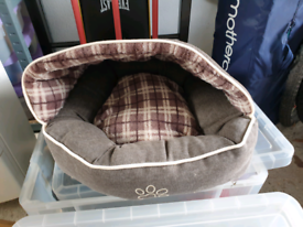 Dog Bed, 10m Recall Line, Electric Nail Clippers - All New