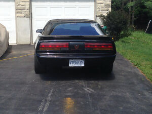 One owner ' 91 Pontiac Firebird Formula 5.7