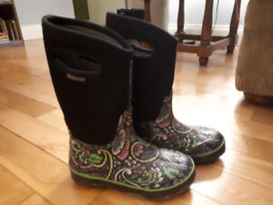 Girls Bogs boots size 3